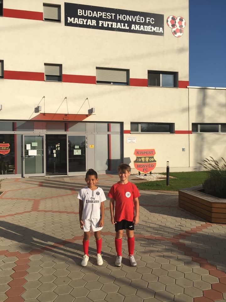 Bihari Gábor és Joel Matondo a Budapest Honvéd U9-es csapatának volt a vendége